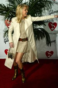 Heather Locklear at the MusiCares 2005 Person of the Year Tribute to Brian Wilson.