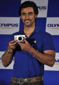 Kunal Kapoor at the launch ceremony of Olympus PEN-1 camera.