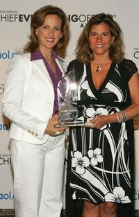 Marlee Matlin and honoree Shelly Hall at the AOL.com