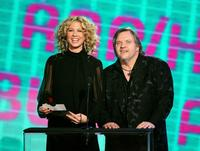 Meatloaf and Jenna Elfman at the 2006 American Music Awards.