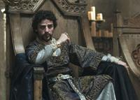 Oscar Isaac as King John in