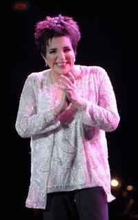 Liza Minnelli at the stage during