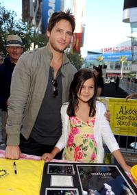 Peter Facinelli and Bailee Madison at the