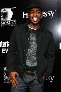 Bill Bellamy at the EW and Timbaland host Pre-Grammy part.