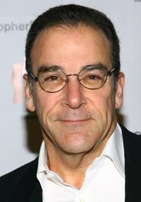 Mandy Patinkin at the Christopher & Dana Reeve Foundation's