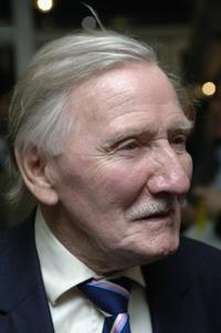 Leslie Phillips at the premiere of