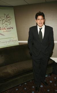 Charlie Sheen at the 9th Annual Dinner Benefitting the Lili Claire Foundation.