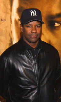 """Denzel Washington at the premiere of """"John Q"""" in Los Angeles."""