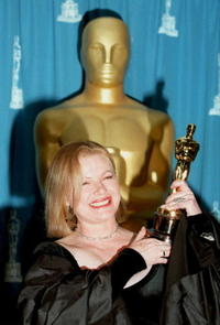 Dianne Wiest at the 67th Annual Academy Awards.