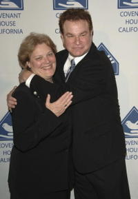 Patricia Cruise and Robert Wuhl at the 7th Annual Covenant With Youth Awards Gala.