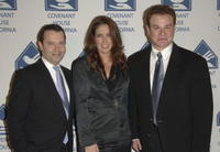 Colin Callender, Elizabeth Callender and Robert Wuhl at the 7th Annual Covenant with Youth Awards Gala.