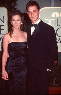 Tracy Warbin and Noah Wyle at the 1999 Golden Globe Awards.