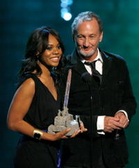 Robert Englund and Regina Hall at the Fuse Fangoria Chainsaw Awards.