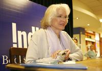 Ellen Burstyn at the Indigo for signing of her book
