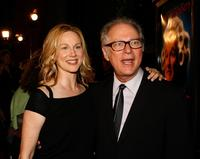 Barry Levinsona and Laura Linney at Graumans Chinese Theatre for premiere of Universal Pictures
