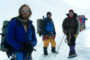 News Briefs: Jake Gyllenhaal Climbs a Mountain in First 'Everest' Image