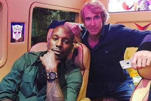 News Briefs: Tyrese Gibson to Return in 'Transformers 5' (See Photo)