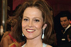 Sigourney Weaver Goes from' Avatar' to Vampires
