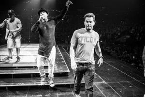 """Watch: Mark Wahlberg Joins New Kids on the Block During Performance of """"Good Vibrations"""""""