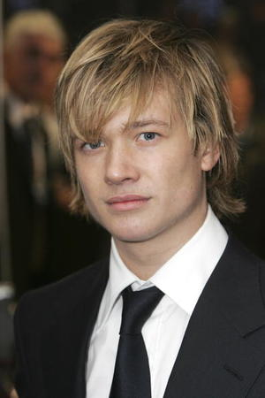 """""""Eragon"""" star Ed Speelers at the London premiere."""