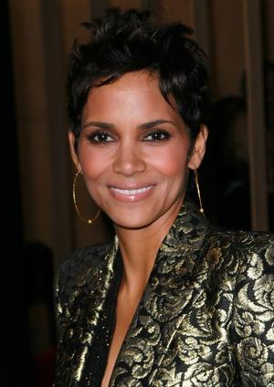 "Halle Berry at the California premiere of ""Frankie and Alice."""