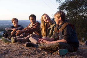 "Teo Halm, Astro, Ella Linnea Wahlstedt and Reese Hartwig in ""Earth to Echo."""