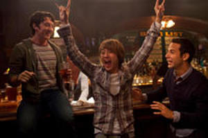 Trailer: 'Hangover' Writers Go to College in '21 and Over'
