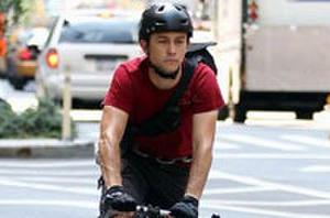 Joseph Gordon-Levitt Takes Us on a Bike Messenger Thrill-Ride in 'Premium Rush' Trailer
