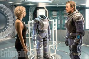 News Briefs: First Look at Jennifer Lawrence, Chris Pratt in 'Passengers'