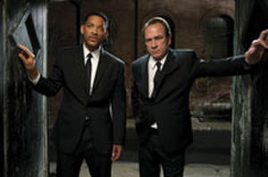 Watch: 'Men in Black 3' Featurette with Will Smith, Tommy Lee Jones and Josh Brolin