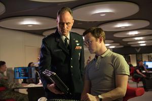 Exclusive Clip: Joseph Gordon-Levitt Learns a Lesson in 'Snowden'