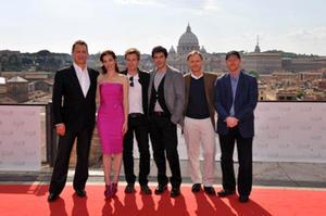 "Tom Hanks, Ayelet Zurer, Ewan McGregor, Pierfrancesco Favino, Dan Brown and Ron Howard at the ""Angels & Demons"" photo call in Rome."