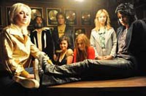 Kristen Stewart and Dakota Fanning Rock Out This Music Video