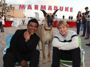 "George Lopez and Owen Wilson at a premiere for ""Marmaduke."""