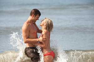 "Josh Duhamel and Julianne Hough in ""Safe Haven."""