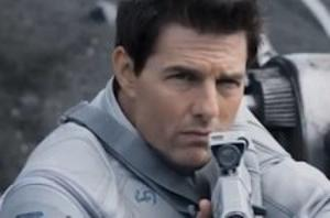 Tom Cruise's 'Oblivion' Rockets Ahead of the Box Office Competition