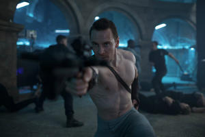 News Briefs: See Michael Fassbender in New 'Assassin's Creed' Photos