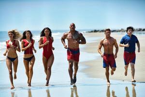 News Briefs: See 'Baywatch' Cast Run on the Beach; 'Wolverine 3' Villain Cast