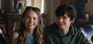 First 'The Space Between Us' Trailer: YA Romance with an Interstellar Twist