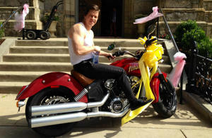 News Briefs: Mark Wahlberg Gets Flashy for 'Ted 2' (Photo); 'Zoolander 2' May Finally, Maybe, Happen
