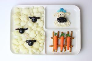 Pack a Fun and Healthy 'Shaun the Sheep' Snack