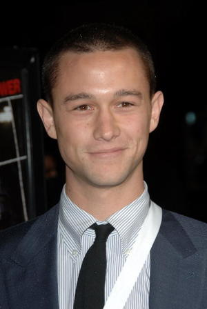 """The Lookout"" star Joseph Gordon-Levitt at the Hollywood premiere."