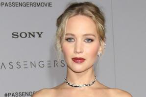 News Briefs: Jennifer Lawrence's 'mother!' Arriving Soon