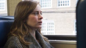 Watch Emily Blunt in a Bad Place in the Trailer for 'The Girl on the Train'