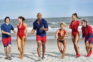 News Briefs: See 'Baywatch' Cast on the Beach