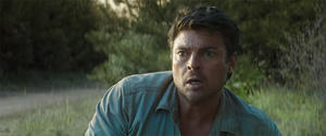 Karl Urban Explains Why 'Pete's Dragon' Is a Perfect Family Movie