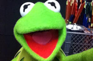 Kermit and 'The Muppets Most Wanted' Snap into Selfie Trend