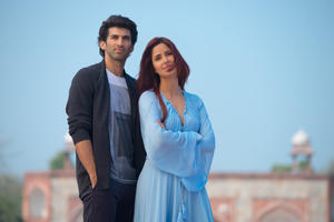 Check out all the movie photos of 'Fitoor'