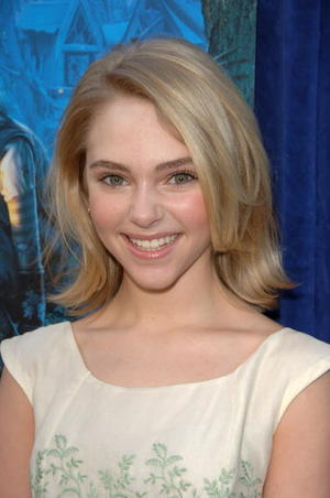 """Bridge to Terabithia"" star AnnaSophia Robb at the Hollywood premiere."