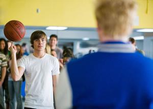 "Zac Efron as Mike O'Donnell and Hunter Parrish as Stan in ""17 Again."""